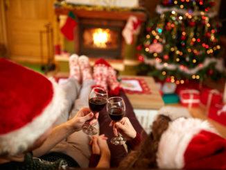 Single Men Christmas Date Ideas